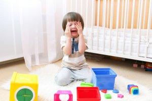 Ilustrační obrázek brečícího dítěte k článku na blogu family flow